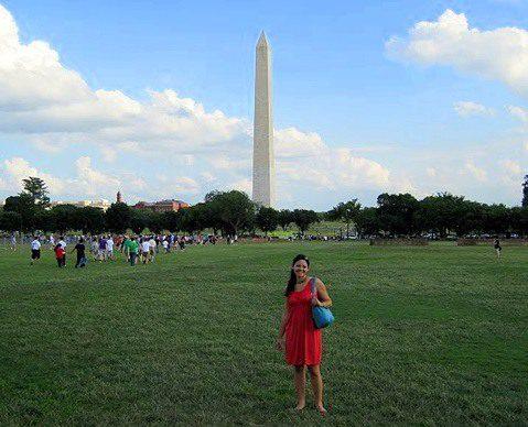 The Washington Monument and fashionable Meg.
