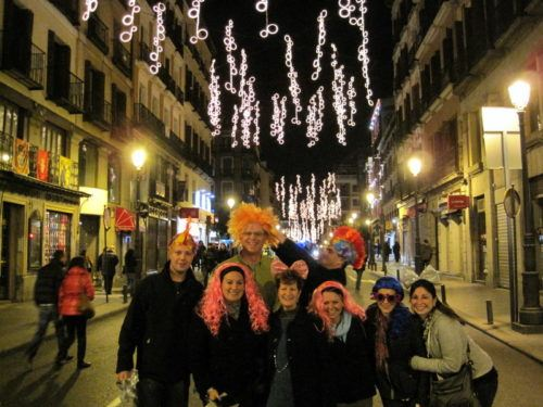 Demonstrating the wig-wearing tradition of Spanish New Year!