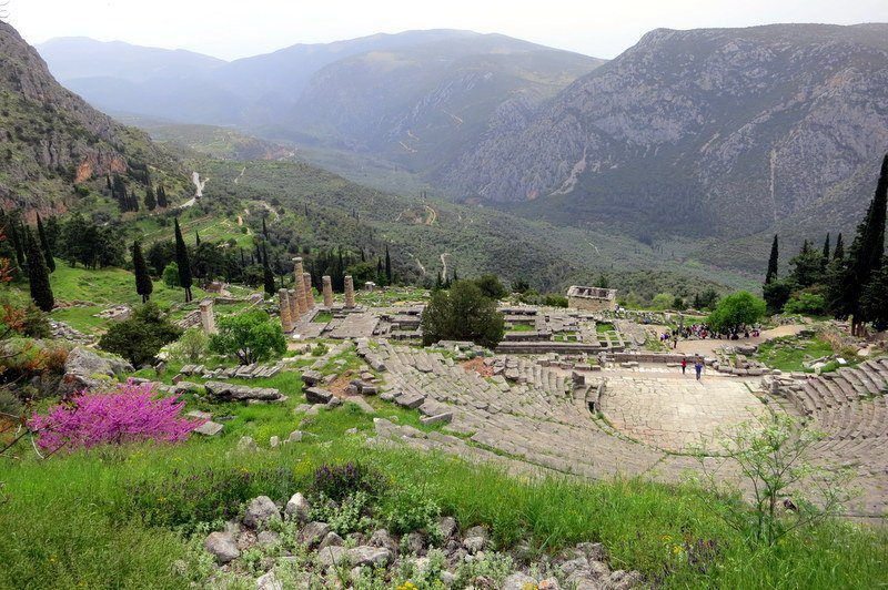 How beautiful is the site of the legendary Oracle of Delphi?!