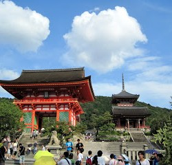 Kyoto: Temples and Sleep Deprivation