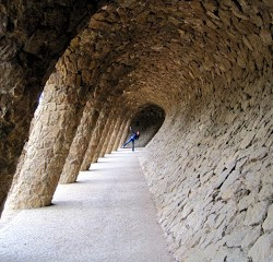 "Parque Guell: At the Center of the ""Too Much Tourism?"" Debate"
