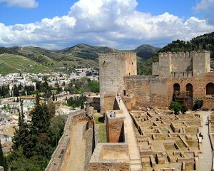 Spain's Alhambra, Hippies in a Forest, and a Night Out