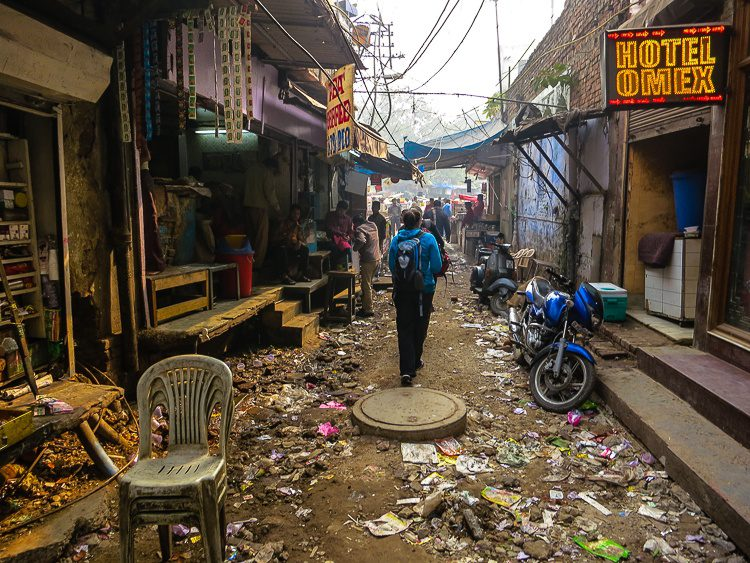 How should we look upon the litter in parts of India?