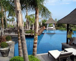 Two Stunning 5-Star Hotels… and Deep Thoughts