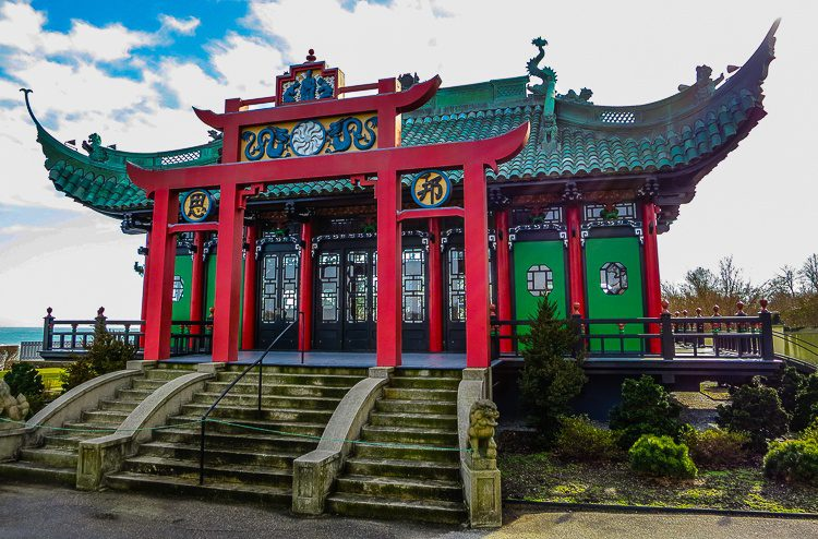 Checking out another side of Marble House's Chinese Tea House. Love it!