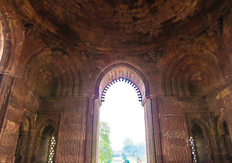 The stunning Alai Darwaza gate.