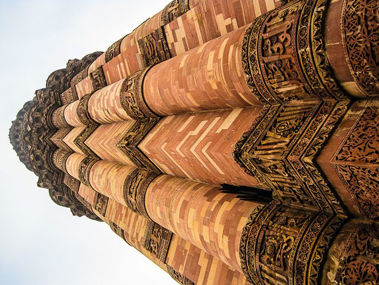 A dizzying look up the minaret.