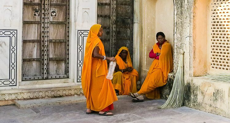 Workers at the Amber Palace taking a water break.