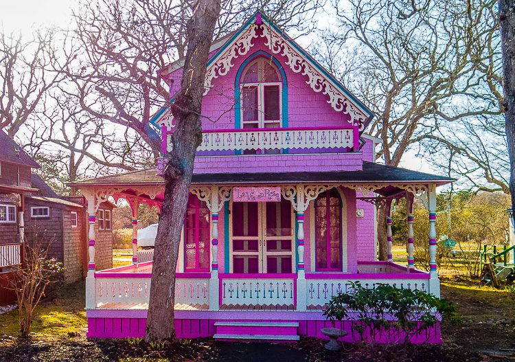 Brightly colored, ornate wooden houses? Yes please!