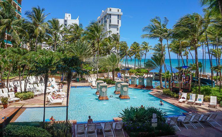 This pool in San Juan, Puerto Rico is family heaven!