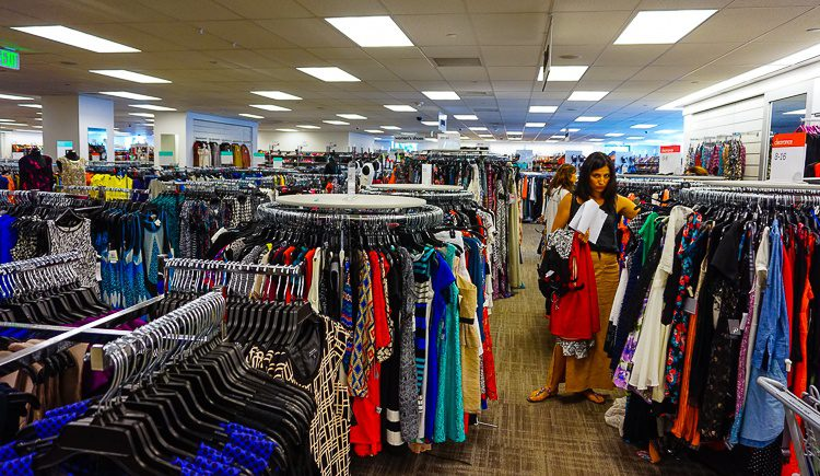 Look at how expertly Maria navigated this overwhelming department store for me!