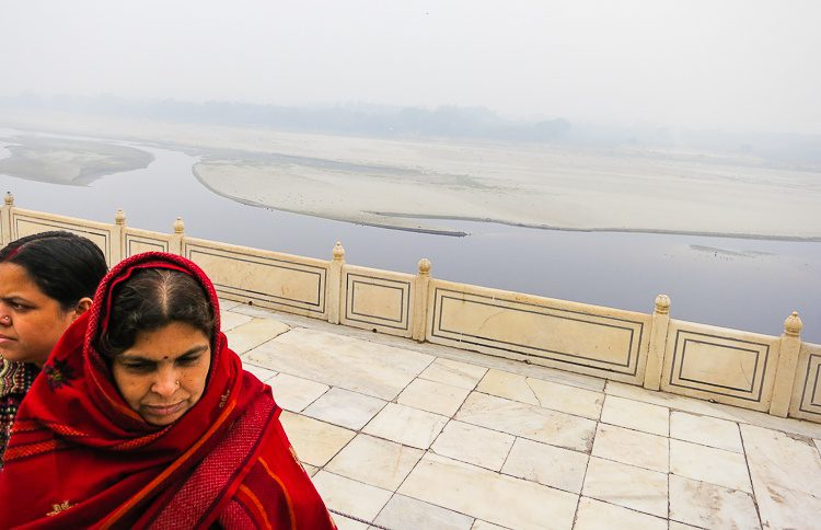 I was entranced by the cloud-covered nature behind the Taj Mahal.
