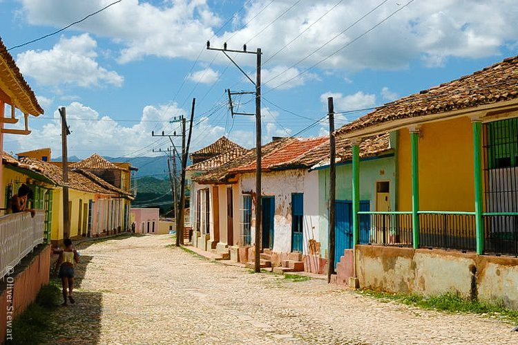 These pastel houses and cobblestone streets are dreamy.