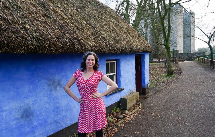 Effortlessly glamorous in Leota a Bunratty Castle in Ireland.