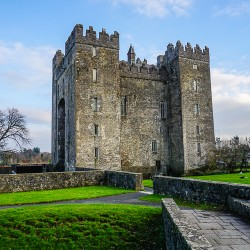 A Perfect First Day of Ireland Travel: Bunratty Castle