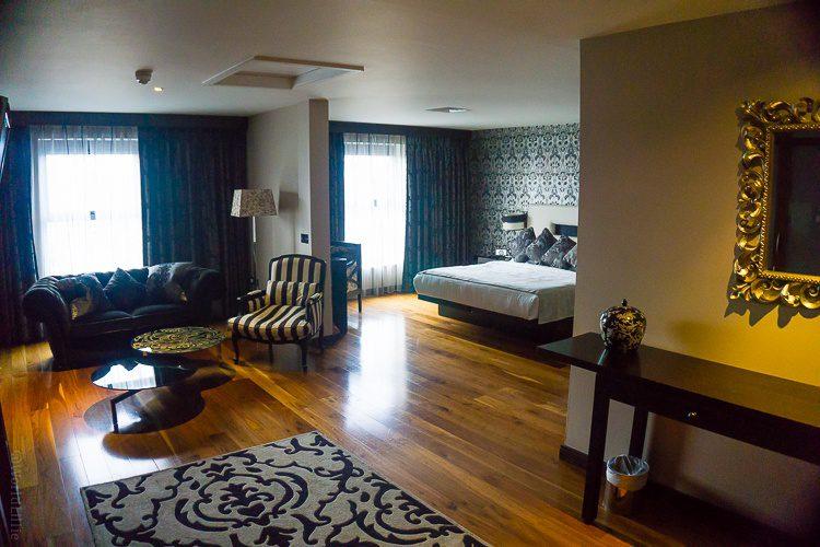 An open floor plan suite at The Twelve Hotel in Barna.