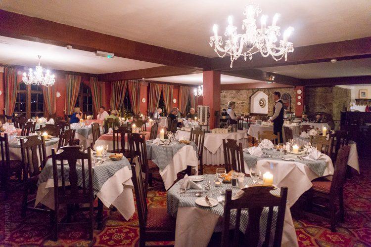 Ireland castle hotel dining room.
