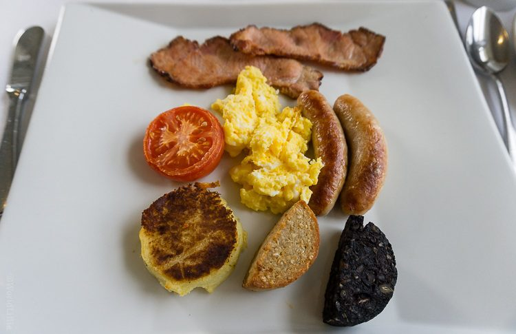 Can you identify everything in an Irish breakfast?