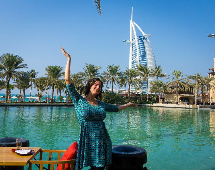 Does it look like I'm holding up the Burj Al Arab in Dubai?