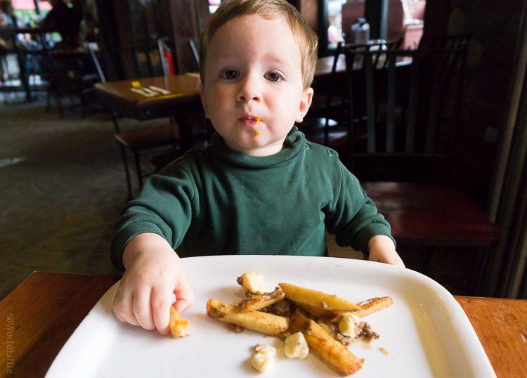 Yummy poutine, Mommy!