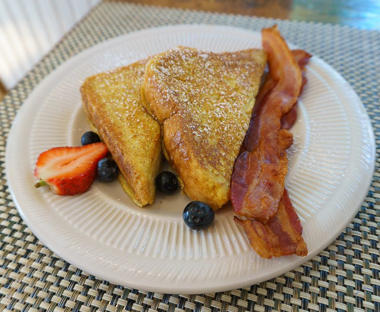Drool... French toast and bacon.