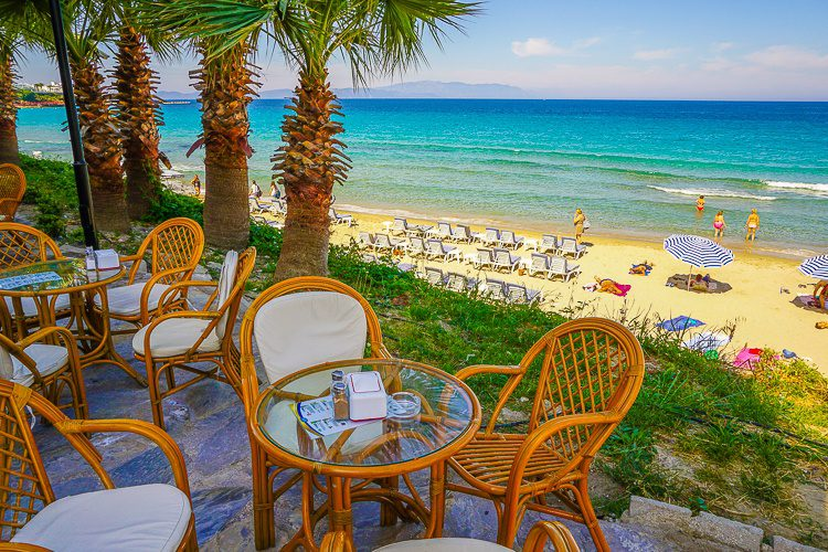 The ultimate in beachfront dining.
