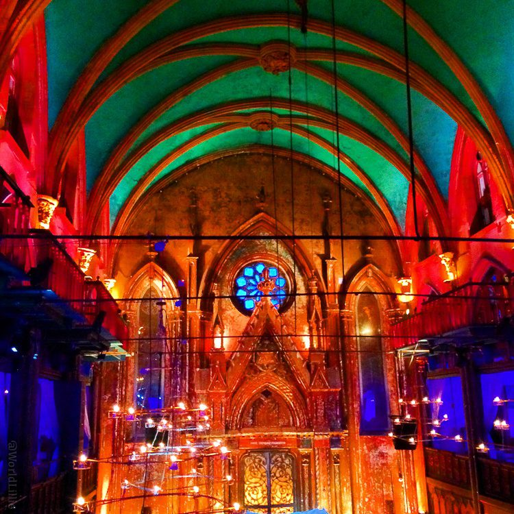 My beloved cousin's wedding was in 2016 in this stunning NYC venue.