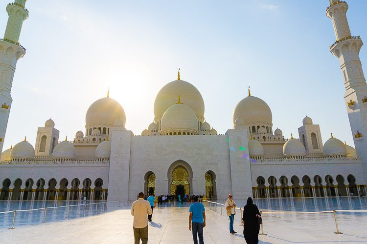 Things to do in Abu Dhabi: Sheikh Zayed Mosque Abu Dhabi