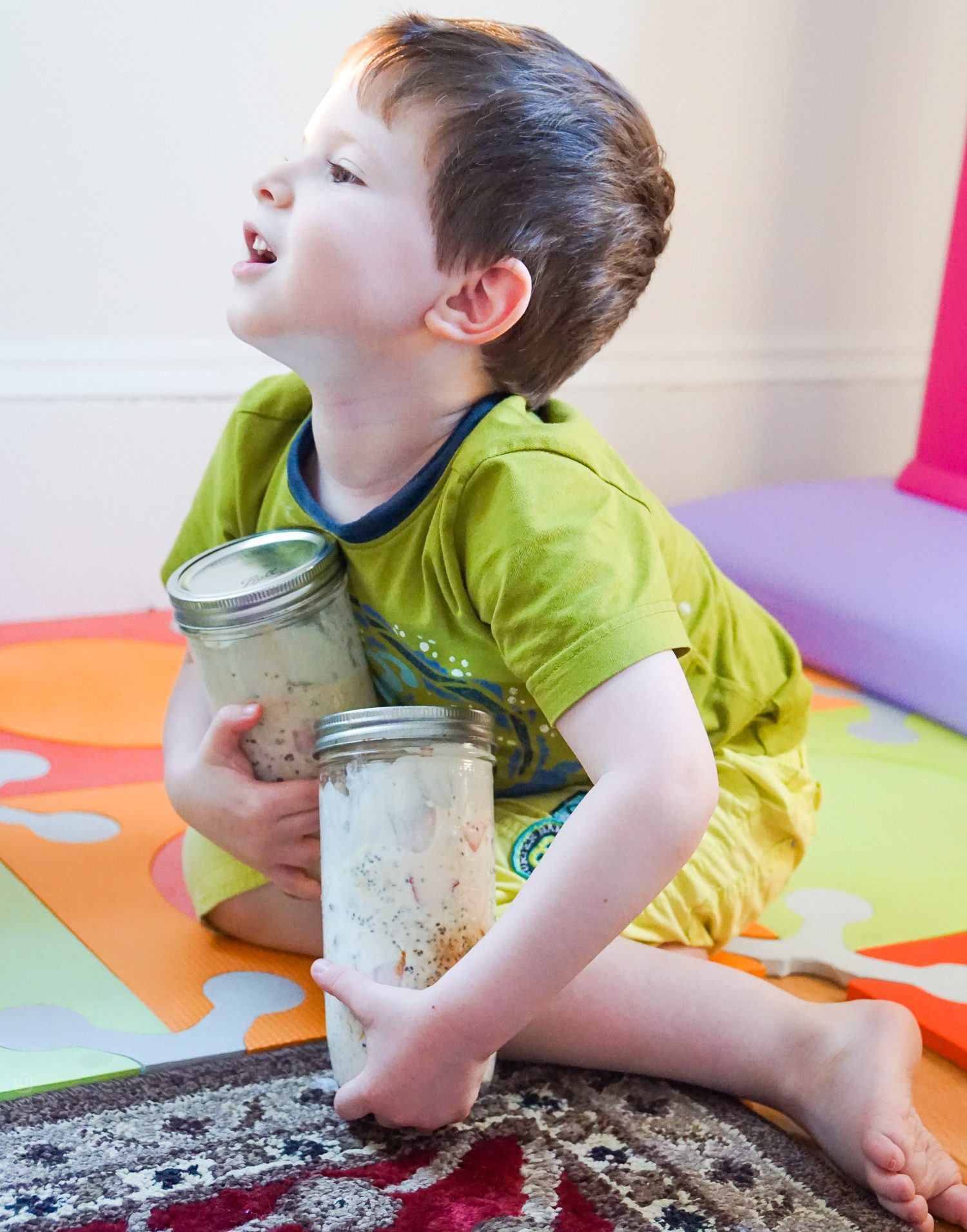 """Our guy wants you to know Mommy's Overnight Oats are """"Bery Heaby!"""""""