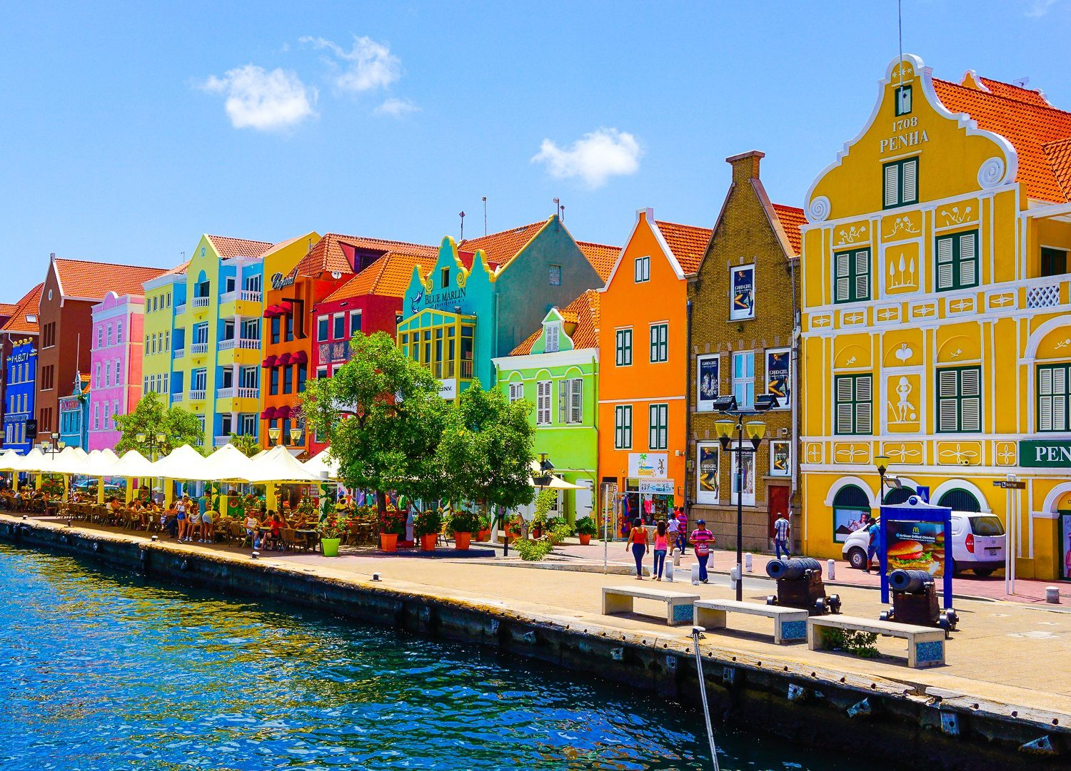 The architecture of Willemstad is THE BEST.