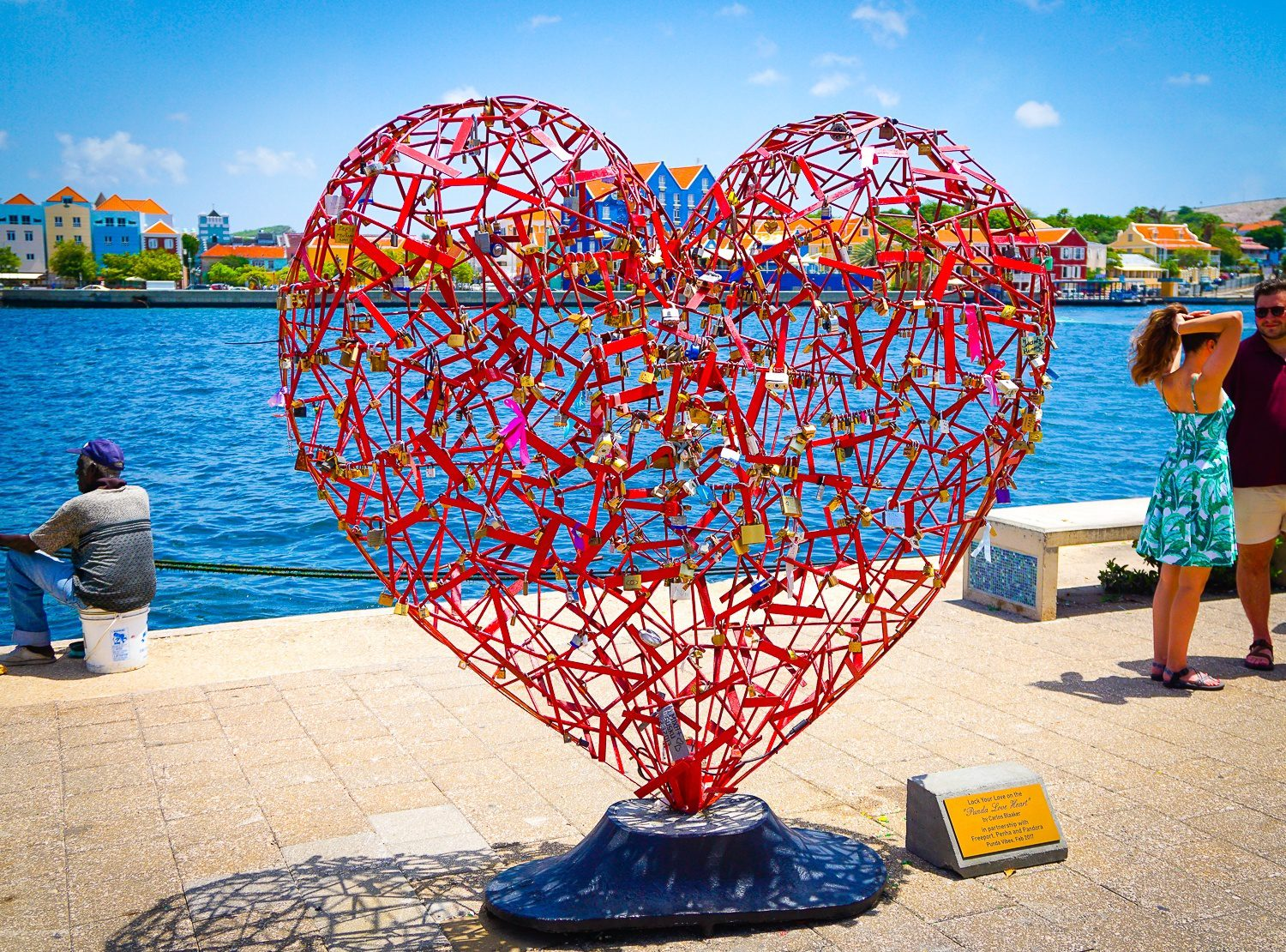 Heart art by Willemstad's waterfront.