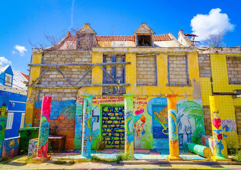 Colors and crumbles as Curaçao restores!