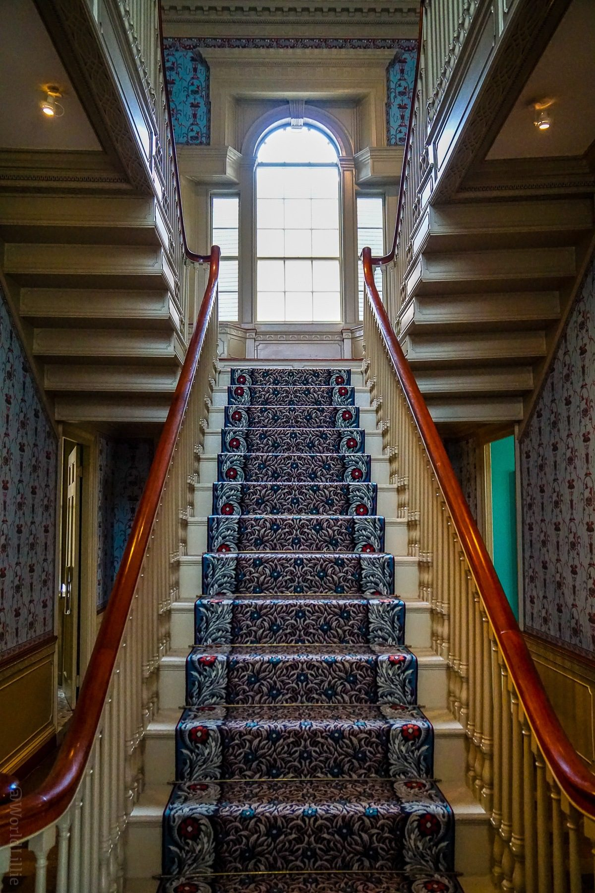 LOVE this staircase in the 1800s house section of the Portland Museum of Art. Portland, Maine is a perfect New England trip a short drive from Boston. Here are #travel and visiting tips on food, what to do, and what to see. #PortlandME #Maine #NewEngland