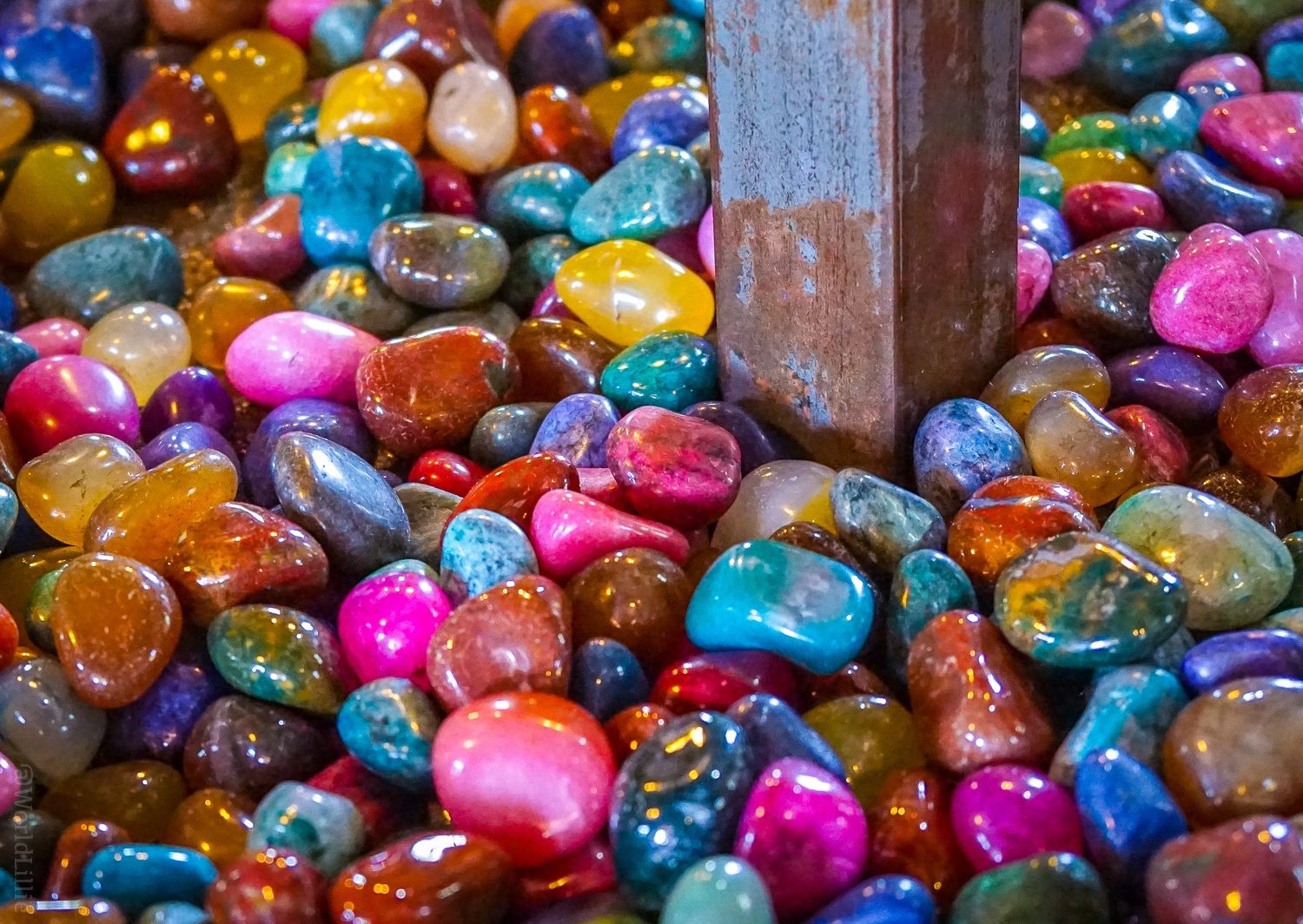 Rainbow colored rocks in an Ohiopyle country store.