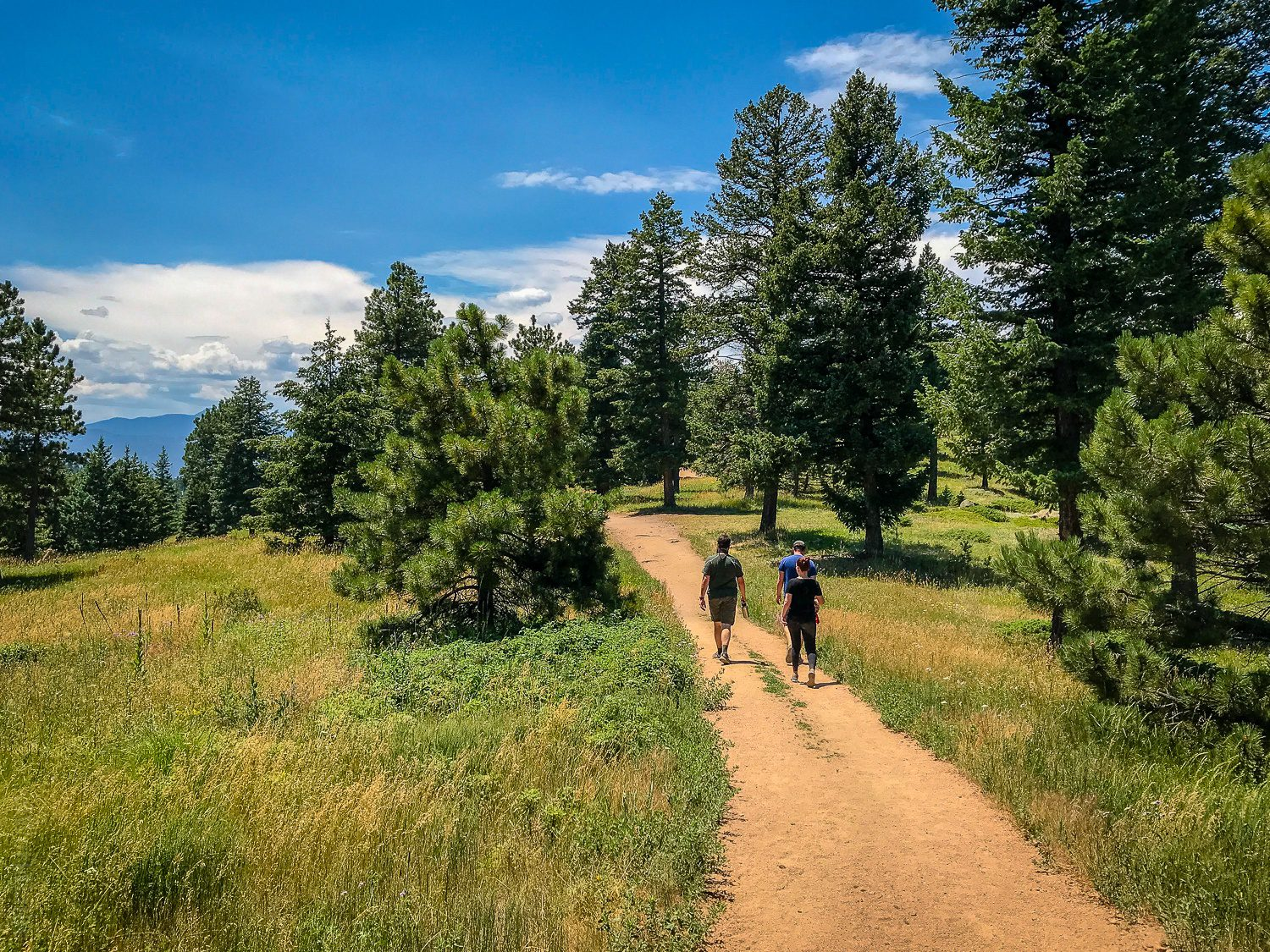 Boulder hikes for views and moderate exertion
