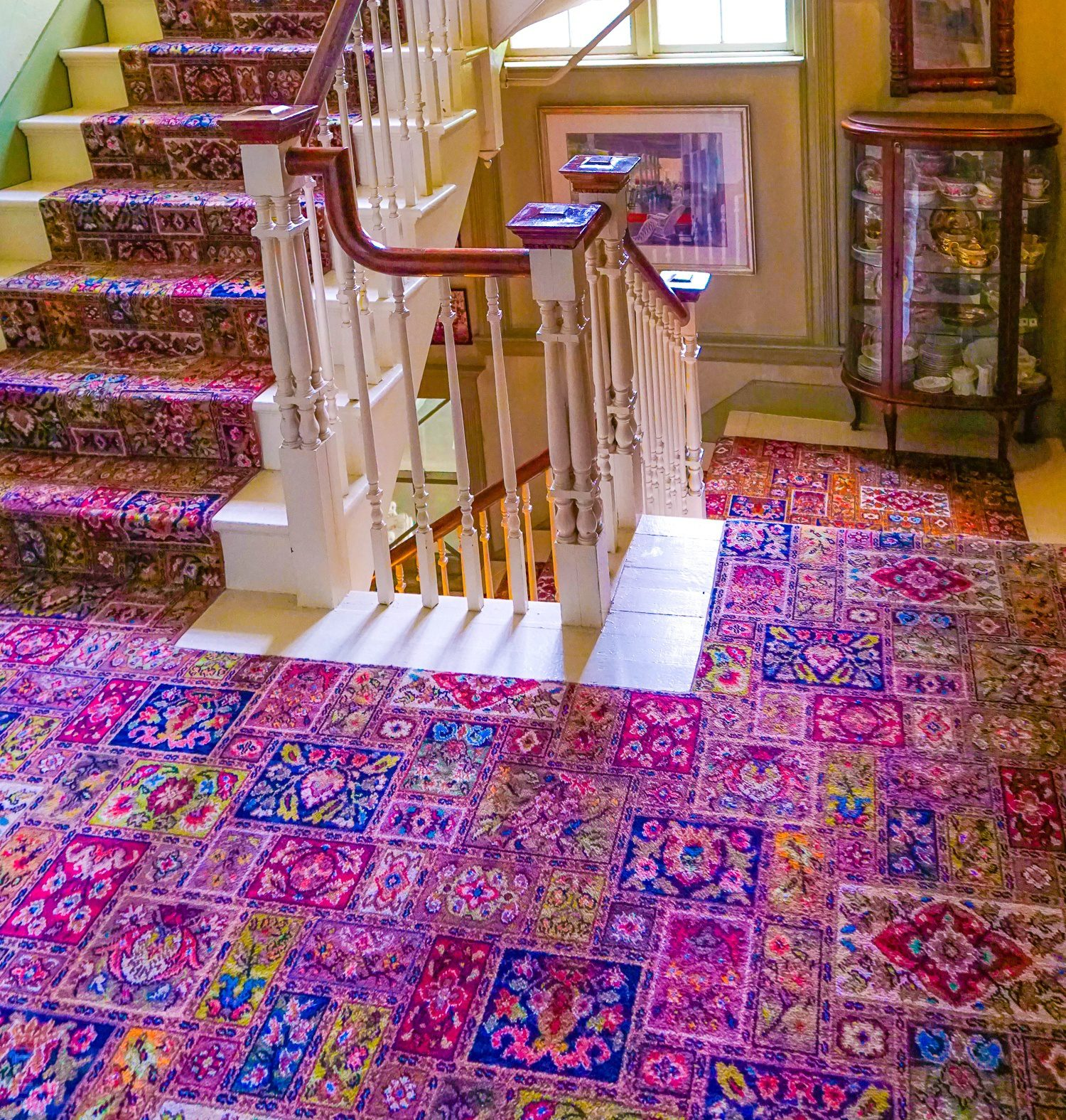 The historic hotel carpets in the Red Lion Inn, plus colonial china displays.