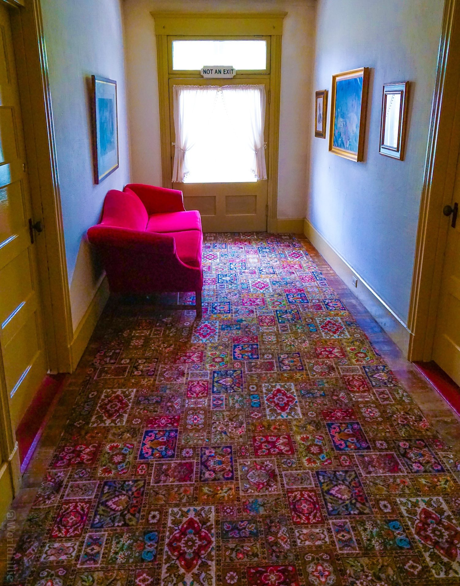Historic hotel rugs and red sofa at the Red Lion Inn, Stockbridge