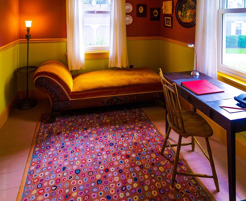 Modern hotel carpets and divan sofa at the Red Lion Inn