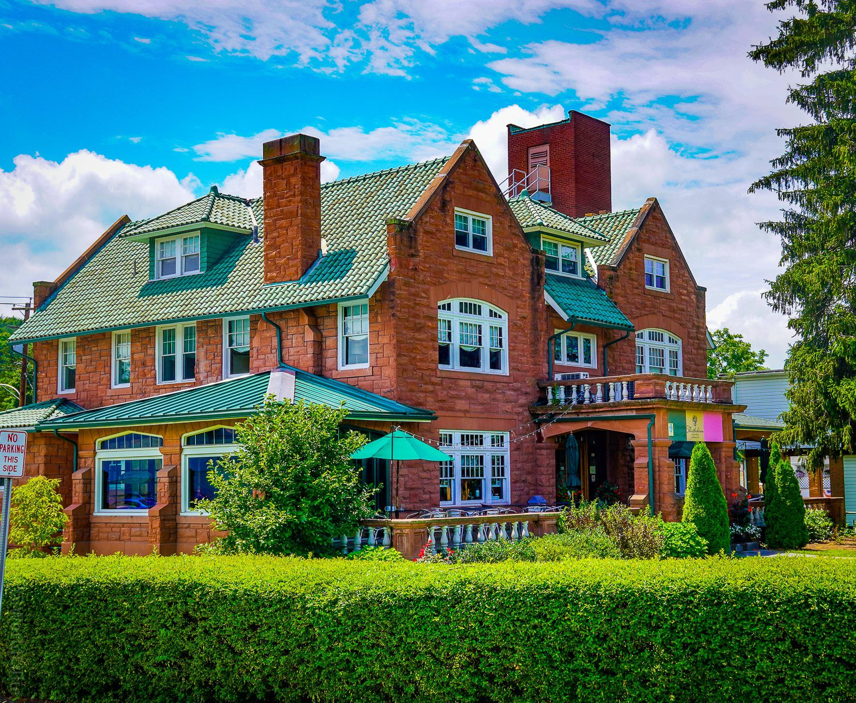 Thistledown Hotel in Ligonier, PA