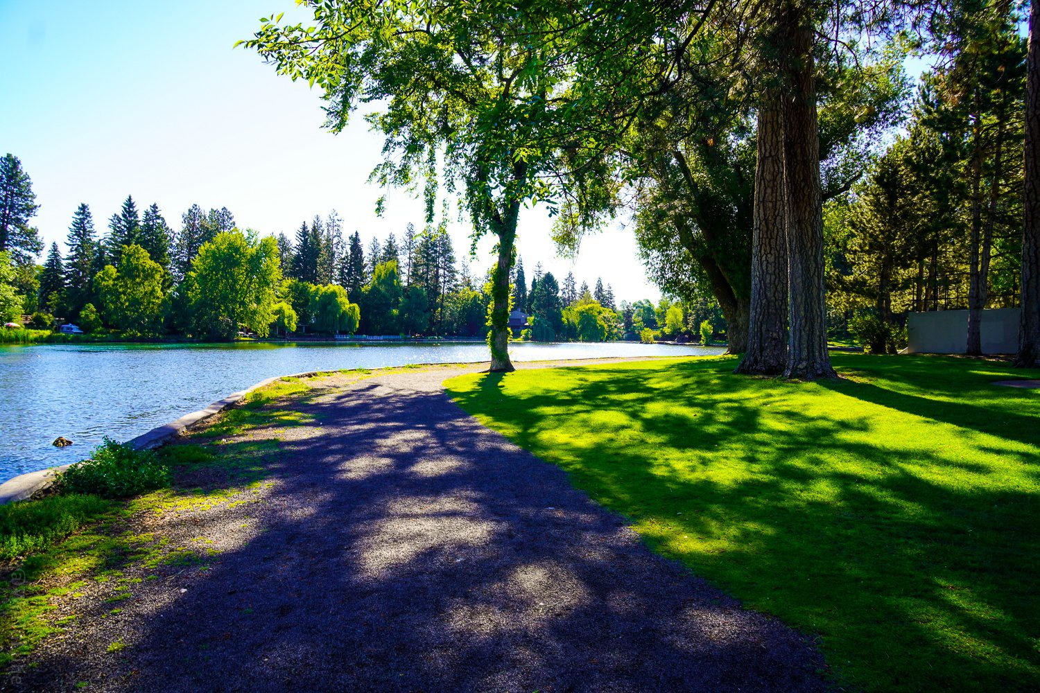 There's a gravel path by the Deschutes River.