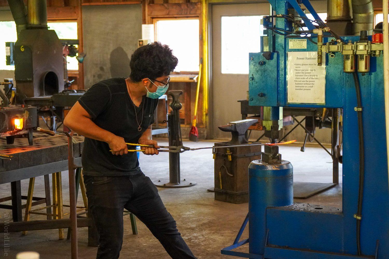 Blacksmithing POWER hammer