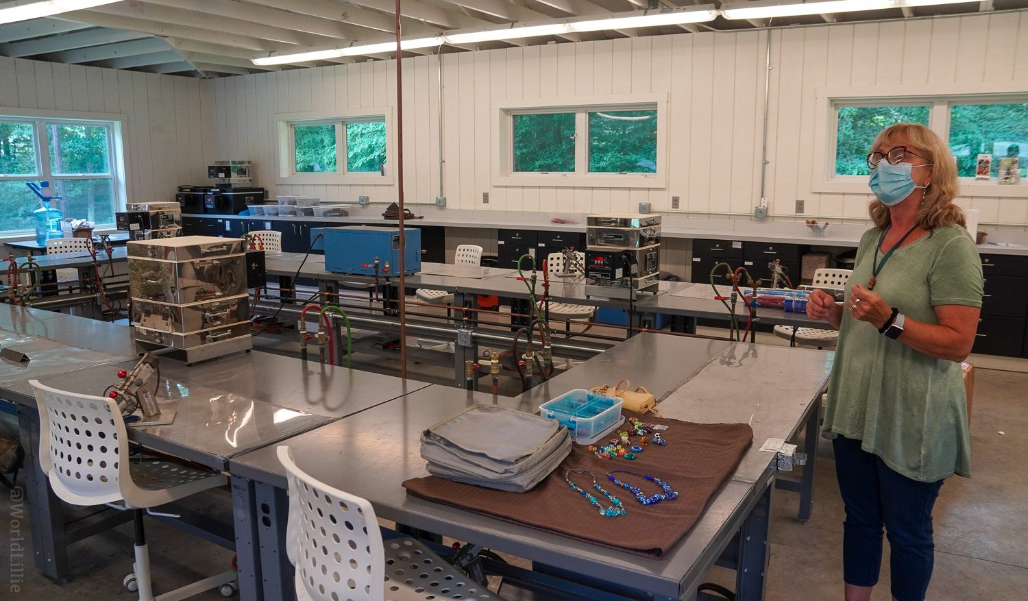 What a great glass making studio!
